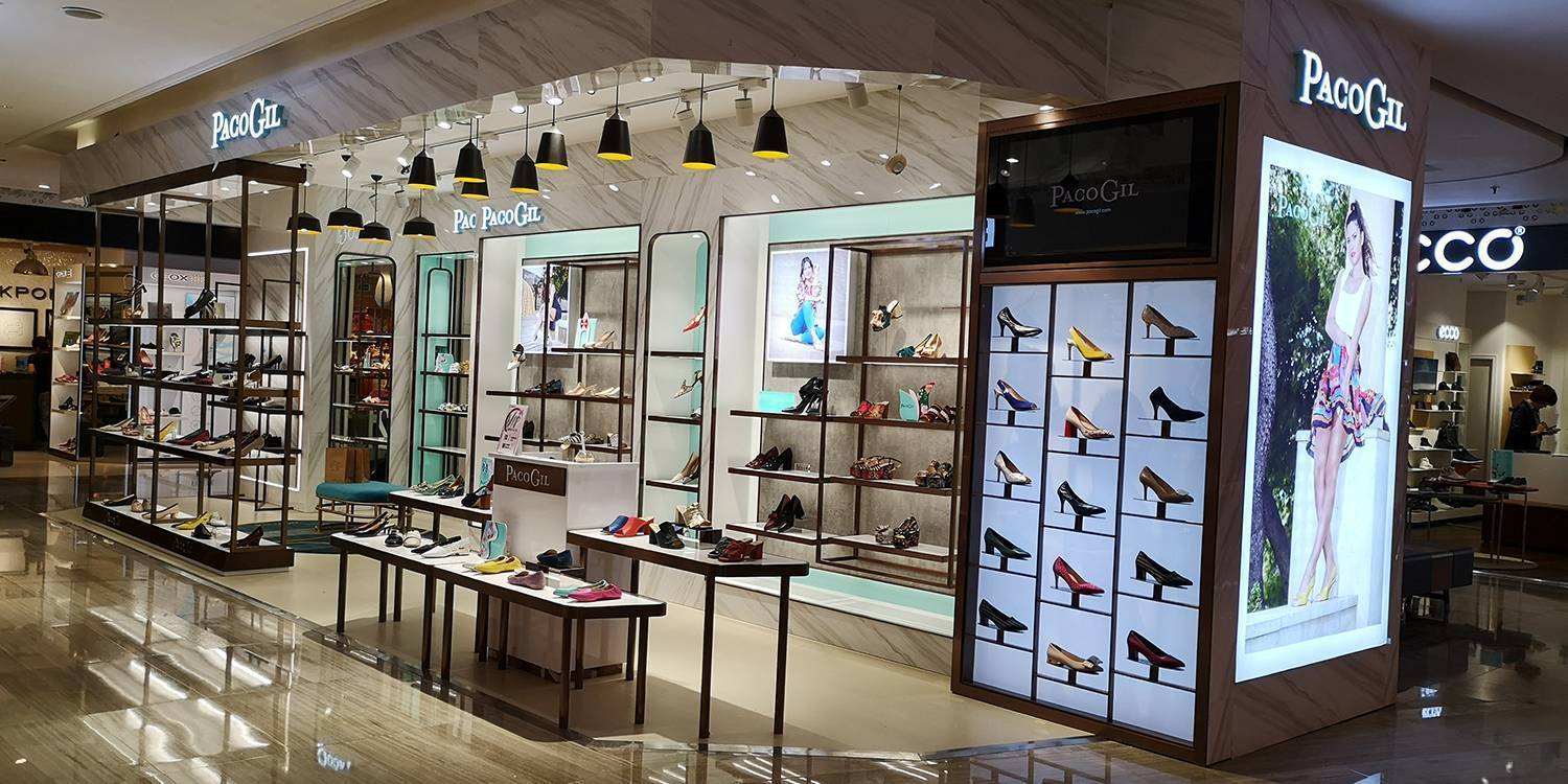Paco Gil Shoes in the Shunlian International Shopping Center in China