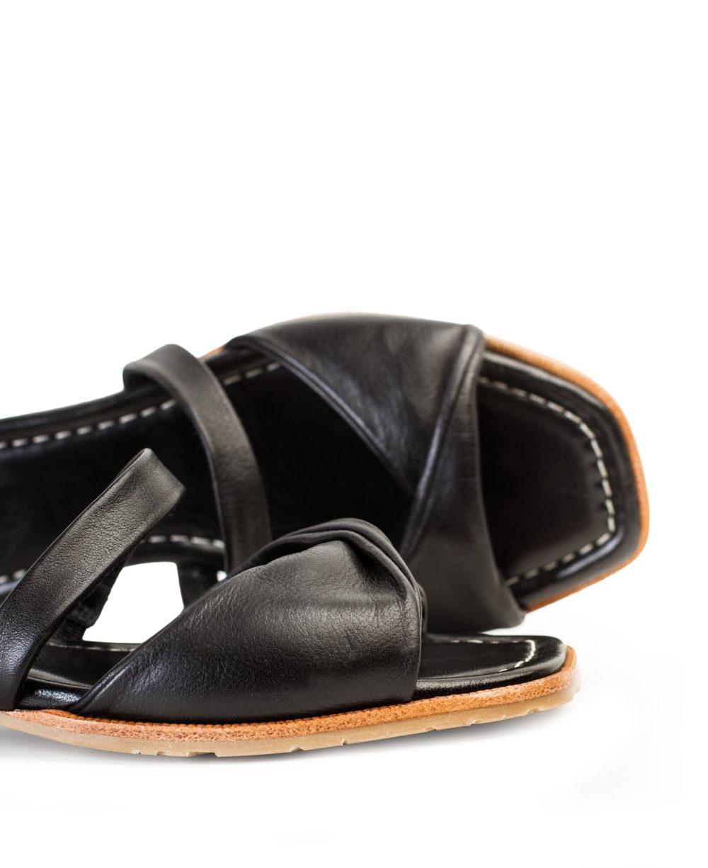 Sandalias de Piel Paco Gil P-3925 Black Bravo Detalle